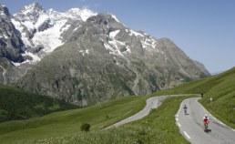 Col galibier dans les Alpes Camping Qualité