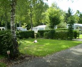 Emplacement confortable au Camping La Pierre 2 étoiles Bourgogne Franche-Comté - Haute-Saône | Label Camping Qualité
