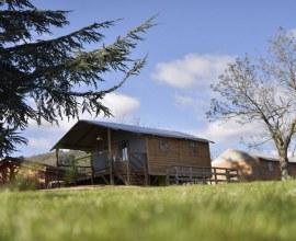 Location de vacance au Camping Le Chanset 3 étoiles Auvergne-Rhône-Alpes - Puy-de-Dôme | Label Camping Qualité