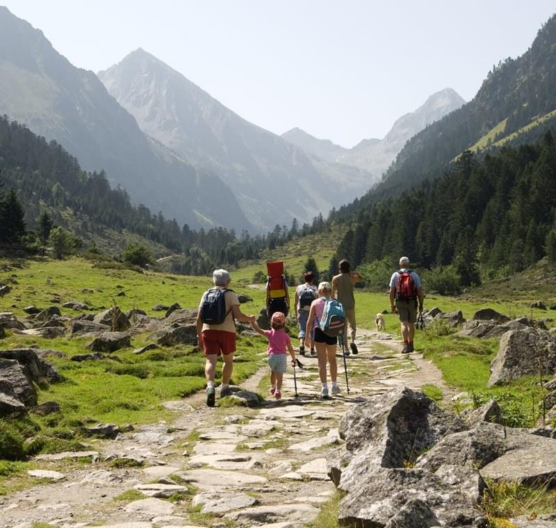 Camping A La Montagne En France Pyrenees Alpes