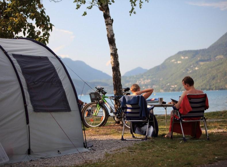 Réservez votre emplacement pour tente en bord de lac Camping Qualité