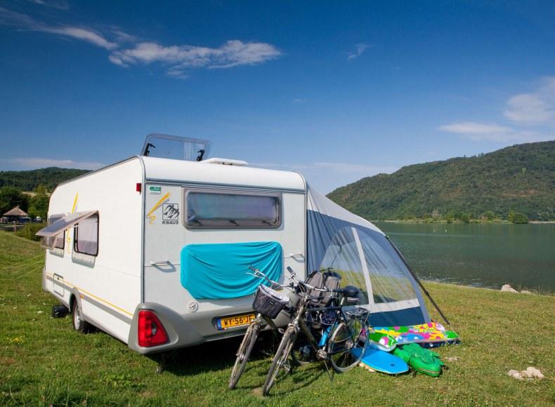 Réservez vos vacances en caravane en bord de rivière Camping Qualité