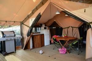 tente_4_étoiles_camping_les_pins_lot
