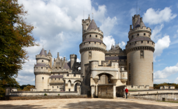 Château de Pierrefonds dans l'Oise Camping Qualité Hauts-de-France