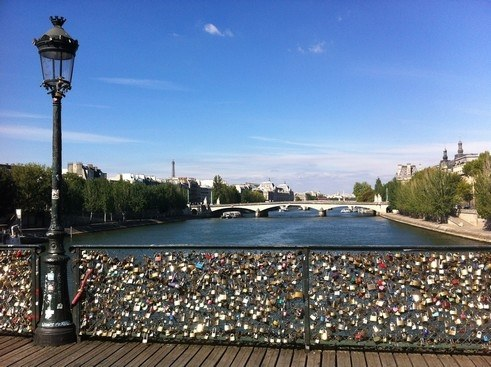 Région Île-de-France Camping Qualité - Love locks on Pont des Arts, Paris