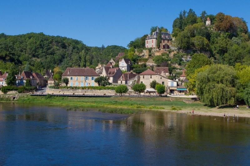 Village en bord de Dordogne en Nouvelle-Aquitaine Camping Qualité