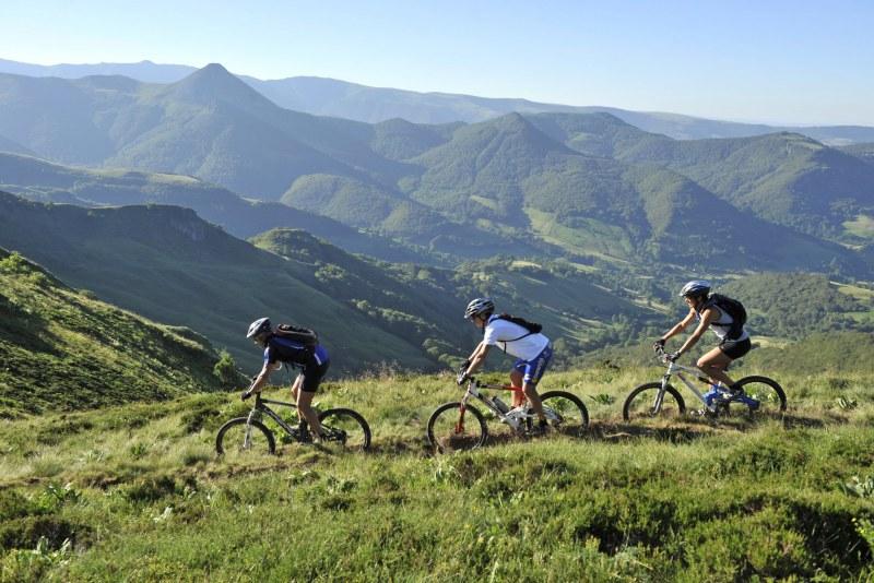 Massif Cantalien en Auvergne Camping Qualité Auvergne-Rhône-Alpes