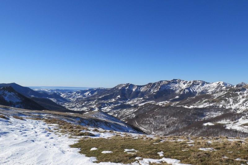 Hiver sur les monts du Cantal Camping Qualité Auvergne-Rhône-Alpes
