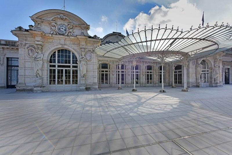 Opéra de Vichy dans l'Allier Camping Qualité Auvergne-Rhône-Alpes