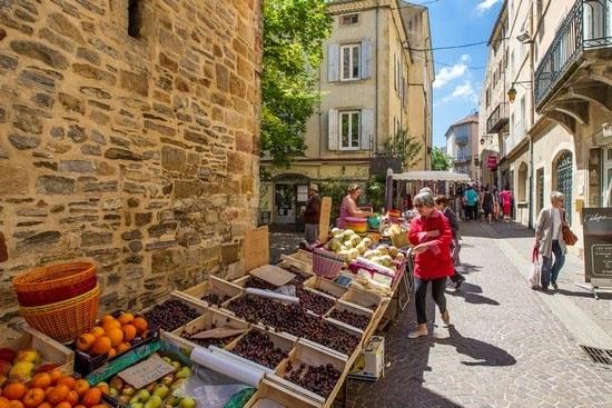 Marché de plein air et produits de terroir en Ardèche Camping Qualité Auvergne-Rhône-Alpes