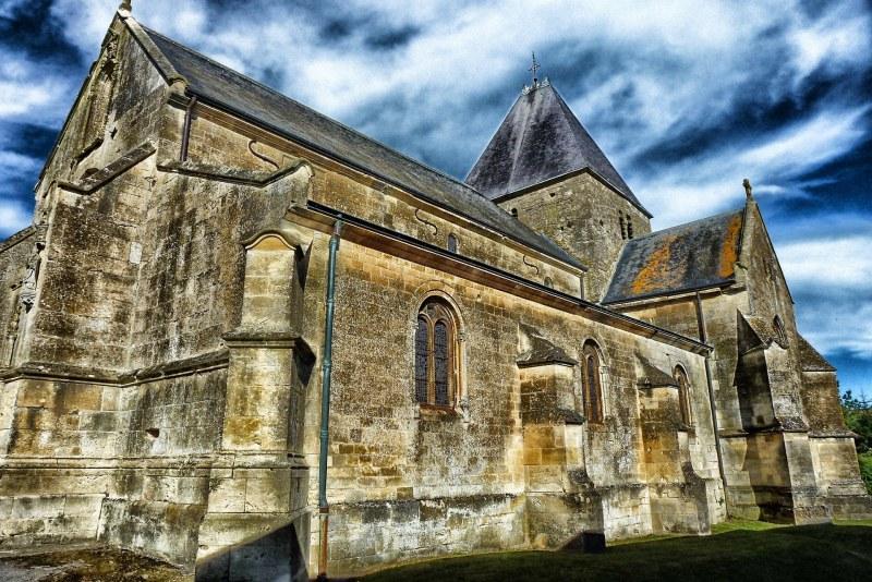 Église dans les Ardennes Camping Qualité Grand-Est