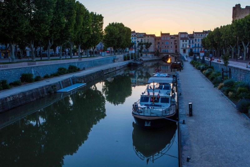 Narbonne dans le département de l'Aude en Région Occitanie Languedoc-Roussillon Camping Qualité
