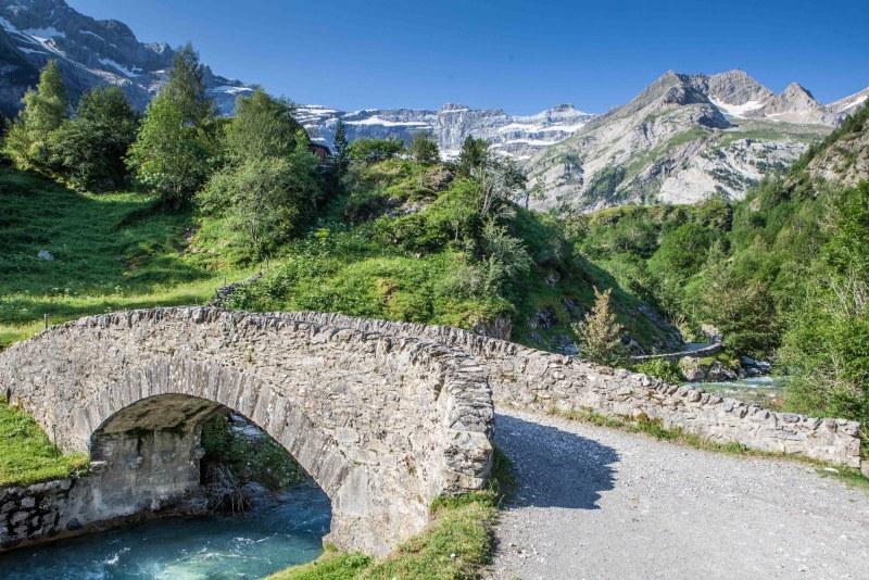 Pont de Nadau dans le département des Hautes-Pyrénées en région Occitanie Midi-Pyrénées Camping Qualité