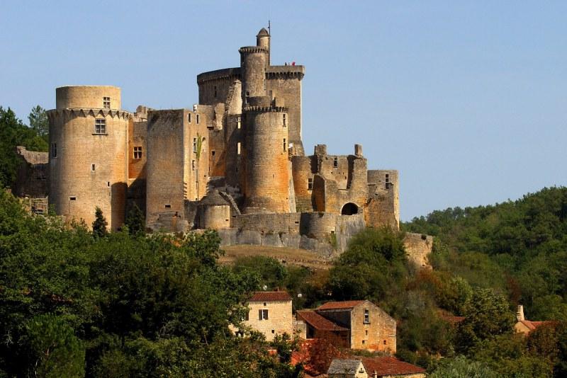 Le château de Bonaguil dans le Lot-et-Garonne Camping Qualité Nouvelle-Aquitaine