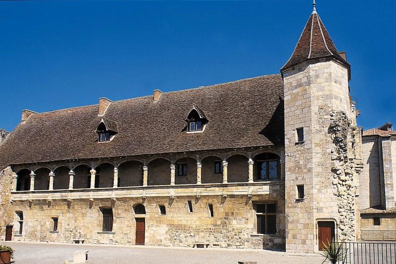 Le château de Nérac dans le Lot-et-Garonne Camping Qualité Nouvelle-Aquitaine