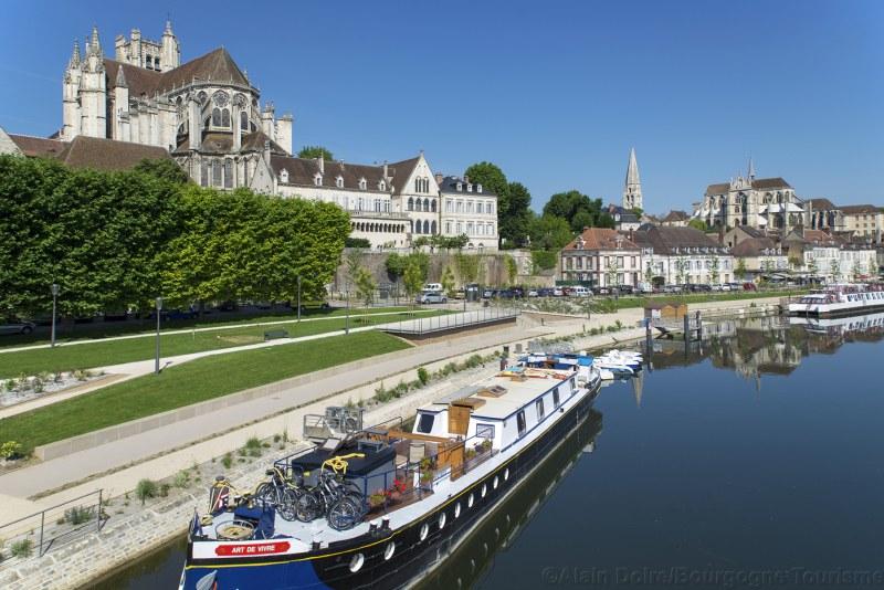 Berges de l'Yonne à Auxerre Camping Qualité Bourgogne-Franche-Comté