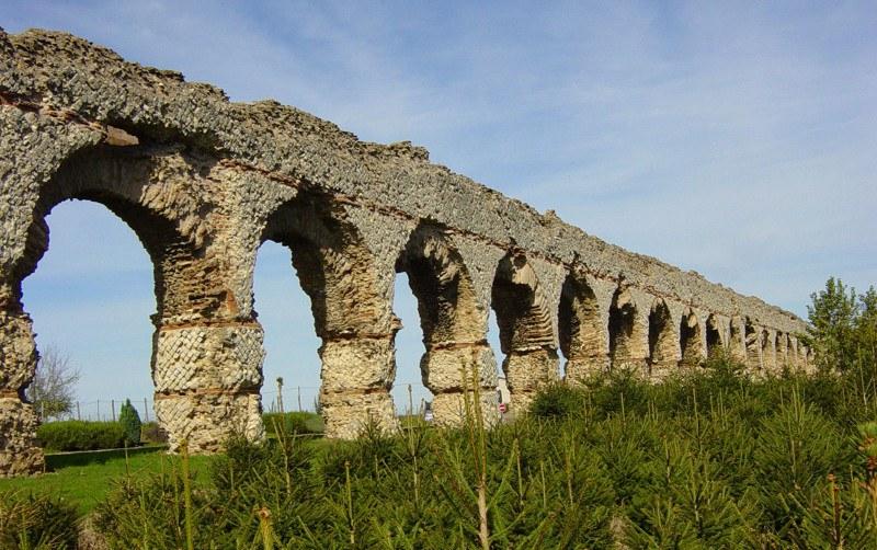 Pays Lyonnais (69) - Aqueduc du Gier à Chaponost Camping Qualité Auvergne-Rhône-Alpes