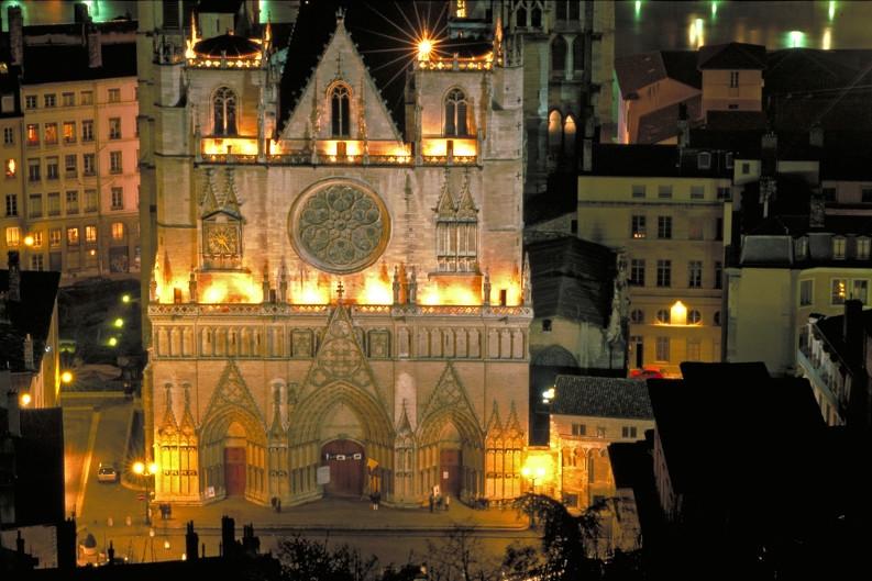 Vieux Lyon (69) - Cathédrale St-Jean Camping Qualité Auvergne-Rhône-Alpes