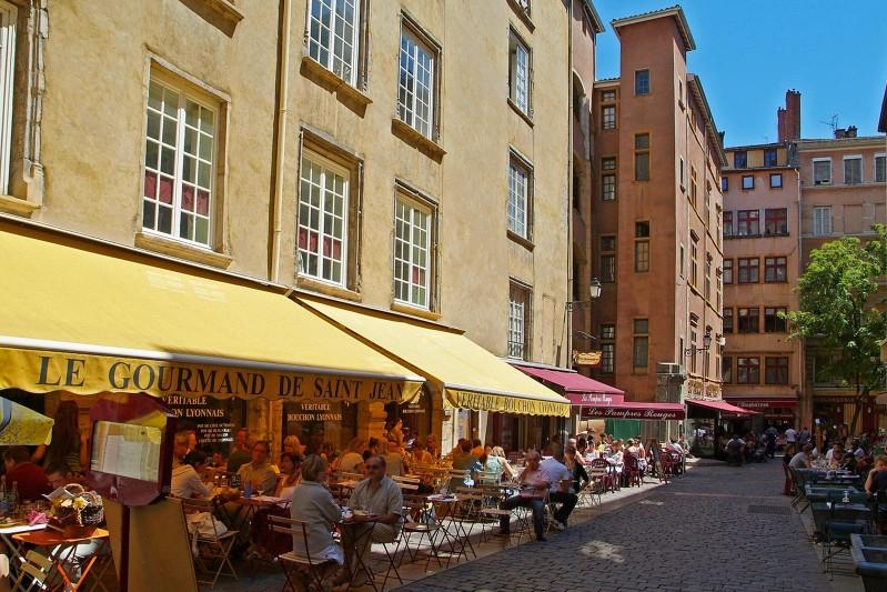Vieux Lyon (69) - Terrasses de restaurant Camping Qualité Auvergne-Rhône-Alpes