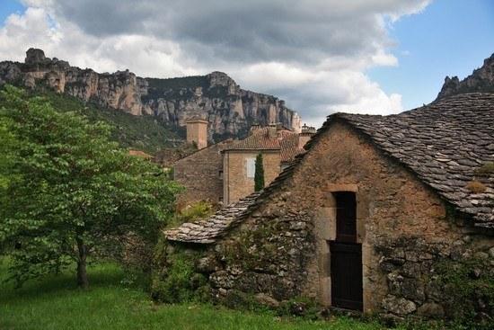Maisons anciennes de Lozère Camping Qualité Occitanie