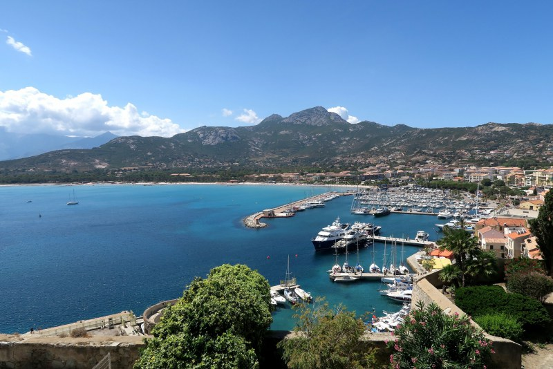 Baie de Calvi en Haute-Corse Camping Qualité