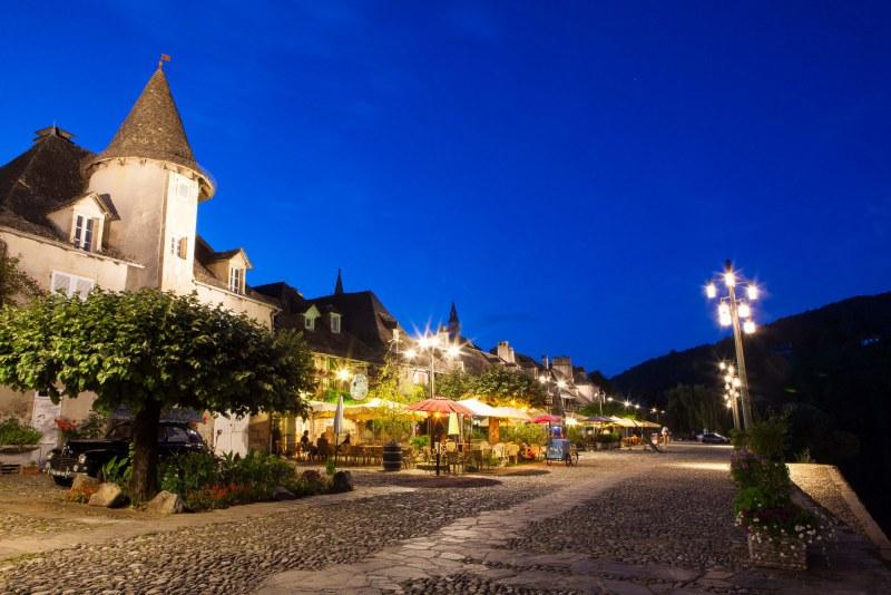 Village de Corrèze en bord de Dordogne