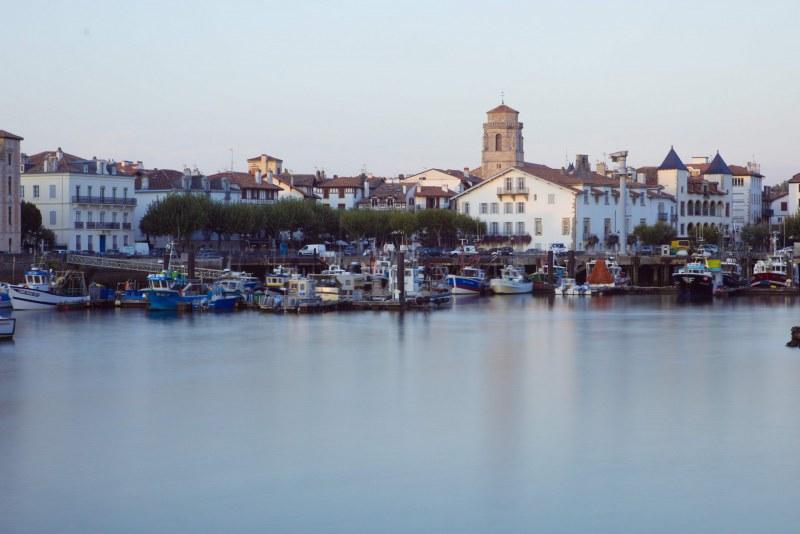 Port du Pays-Basque dans le département des Pyrénées-Atlantiques en région Nouvelle Aquitaine Camping Qualité
