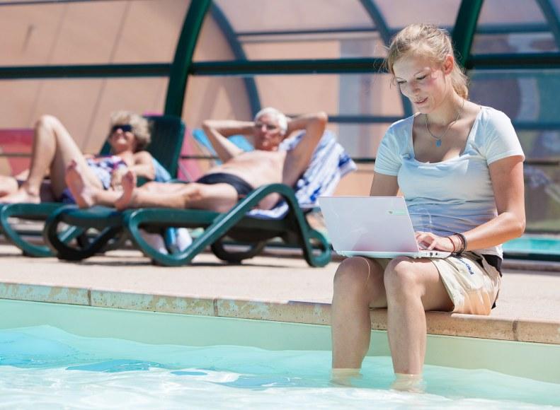 wifi à la piscine du camping Camping Qualité