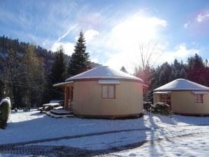 Location yourte chalet mobil-home hiver vosges en camping france