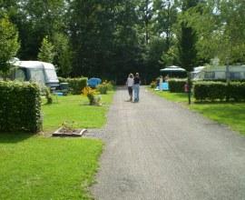 Emplacement pour tente, caravane et camping-car au Camping La Pierre 2 étoiles Bourgogne Franche-Comté - Haute-Saône | Label Camping Qualité