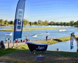 Wakeboard et ski-nautique au Camping Le Fil de l'eau 3 étoiles Bourgogne-Franche-Comté - Côte d'Or | Label Camping Qualité
