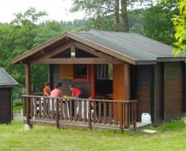 Chalet au Camping du Lac de la Valette 3 étoiles en Nouvelle-Aquitaine - Corrèze | Label Camping Qualité