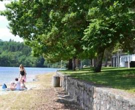 Bord de lac au Camping du Lac de la Valette 3 étoiles en Nouvelle-Aquitaine - Corrèze | Label Camping Qualité